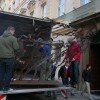 Sculptures arriving at Kempinski